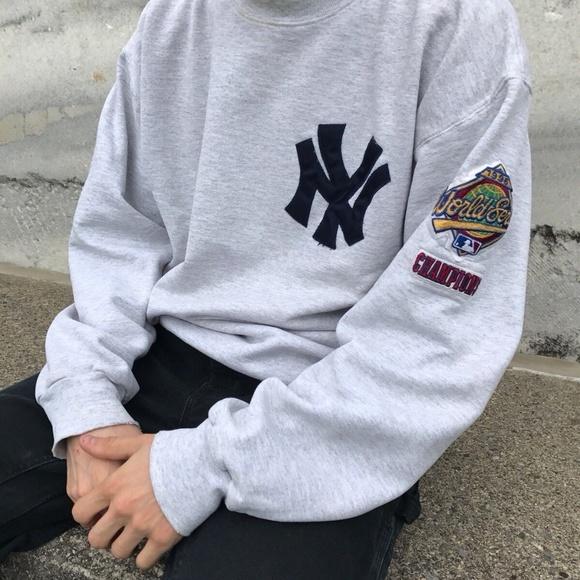 buy popular 9b236 4f855 1996 New York Yankees World Series Crew Sweatshirt